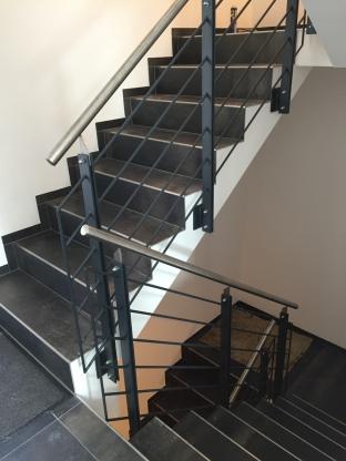 schlosserei erhard g tz treppengel nder in stahl f r innen. Black Bedroom Furniture Sets. Home Design Ideas
